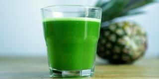 Suco Verde de Abacaxi com Hortelã