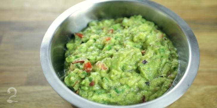 Receita de Guacamole em vídeo | Gourmet a Dois