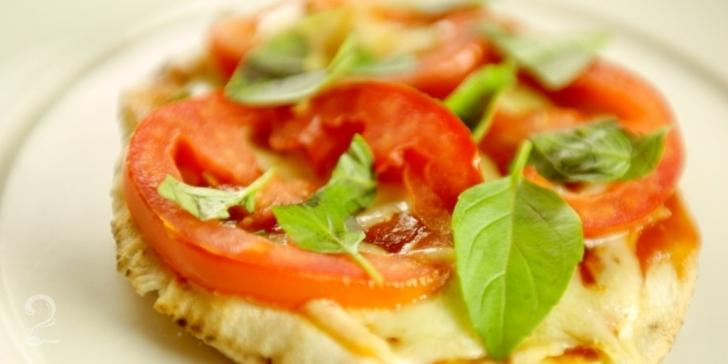 Receita de Pizza de Pão Árabe em vídeo   Gourmet a Dois