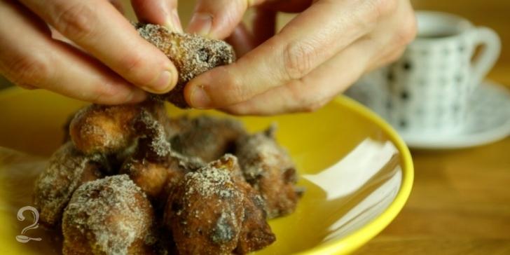 Receita de Bolinho de Chuva com Banana e Chocolate em vídeo | Gourmet a Dois