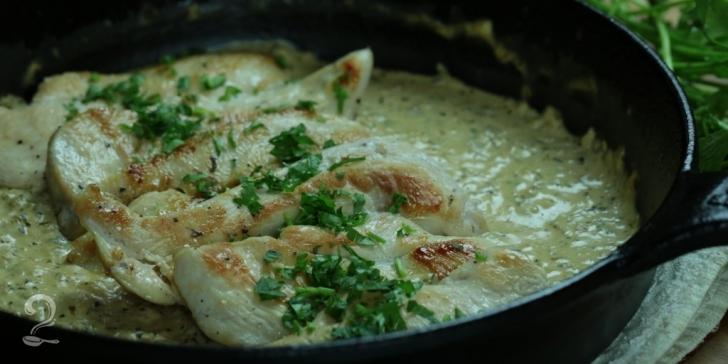 Receita de Frango com Molho de Ervas e Cream Cheese em vídeo   Gourmet a Dois